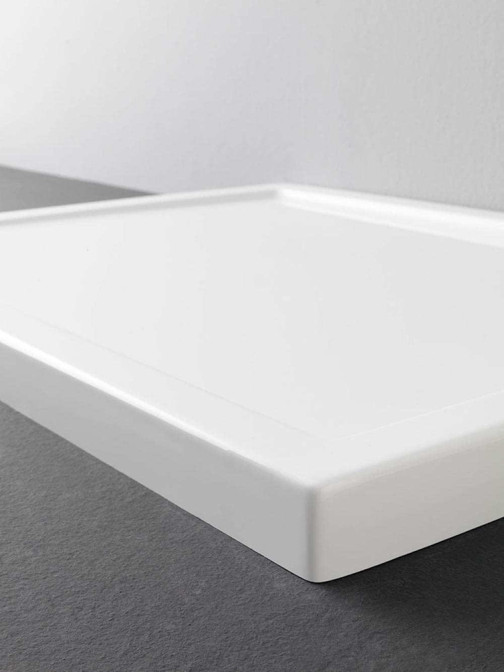 cinco receveur de douche en acrylique renforc receveurs de douche et panneaux de rev tement. Black Bedroom Furniture Sets. Home Design Ideas